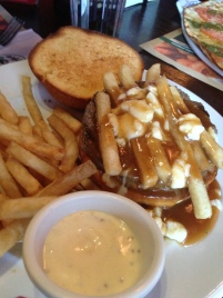 Poutine Burger (Les 3 Brasseurs/Montreal)