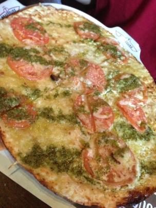 Provencale pizza (Les 3 Brasseurs/Montreal)